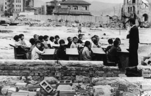 Je rok 1945 a takto vyzerá  japonská Hirošima mesiac po atómovej katastrofe.