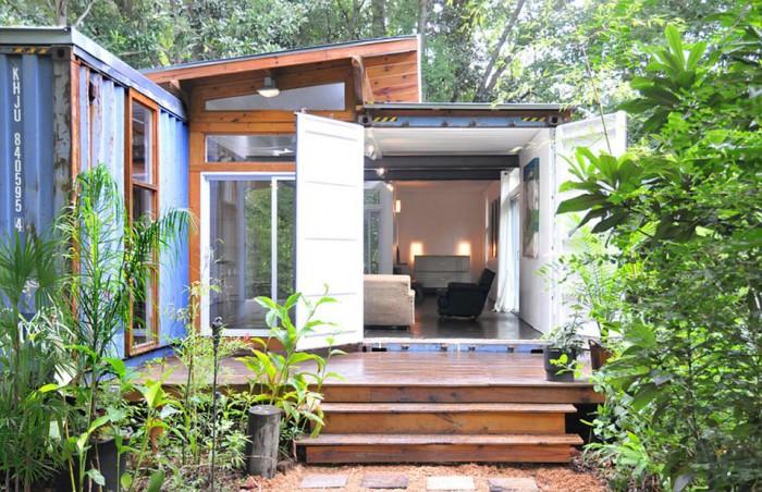 julio-garcia-savannah-project-exterior2-via-smallhousebliss-700x452
