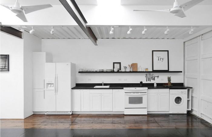 julio-garcia-savannah-project-interior2-via-smallhousebliss-700x452