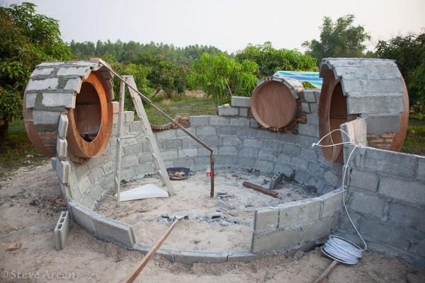 2-Tiny-home-construction-600x400