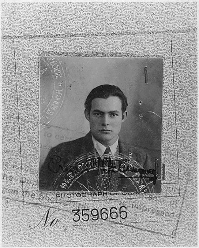 Ernest Hemingway na jeho pase. 1923.