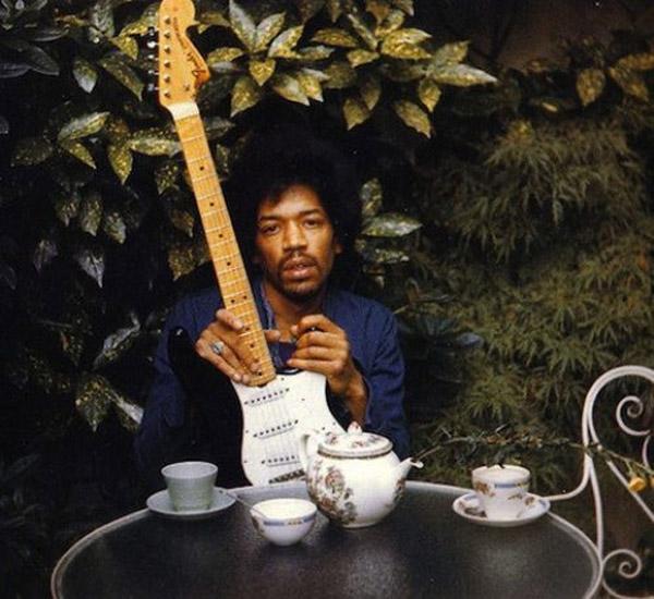 Jimmy Hendrix sa zaradil do klubu 27, tu je jeho posledná fotografia.