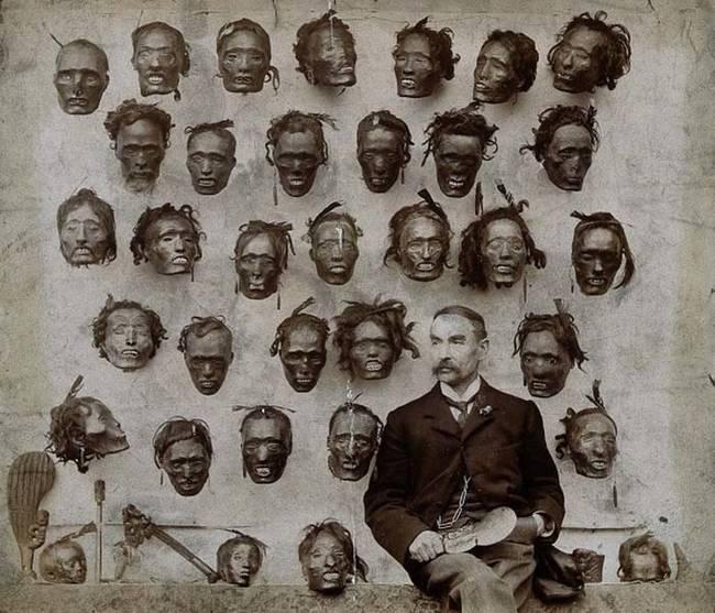 Aj napriek zákazu obchodovania, niektorým Európanom, ako napríklad Horatio Gordon Robleyovi (na obrázku), sa podarilo získať pôsobivú zbierku Mokomokai hláv. Dnes sa však už Mokomokai medzi Maormi nepraktizuje. Avšak nastal úspešný pokus vrátiť zvyšné hlavy späť na Nový Zéland.