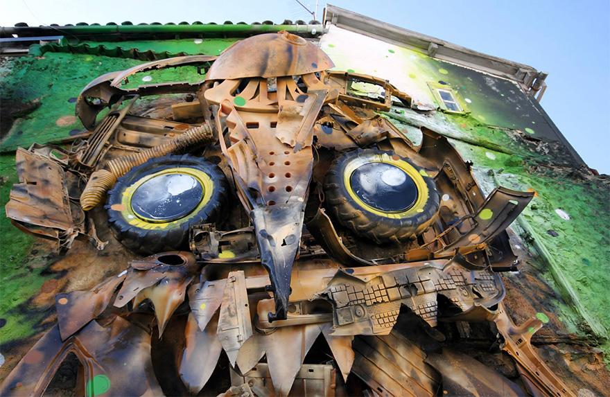recycled-owl-sculpture-street-art-owl-eyes-artur-bordalo-4