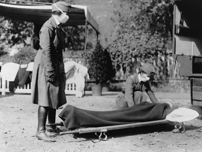 Vojaci, ktorí sa na vojne touto chrípkou nakazili ju doniesli domov a takto sa chrípka veľkoplošne rozšírila.