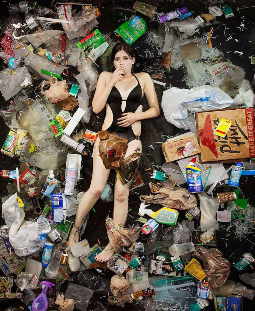 7-days-of-garbage-environmental-photography-gregg-segal-11