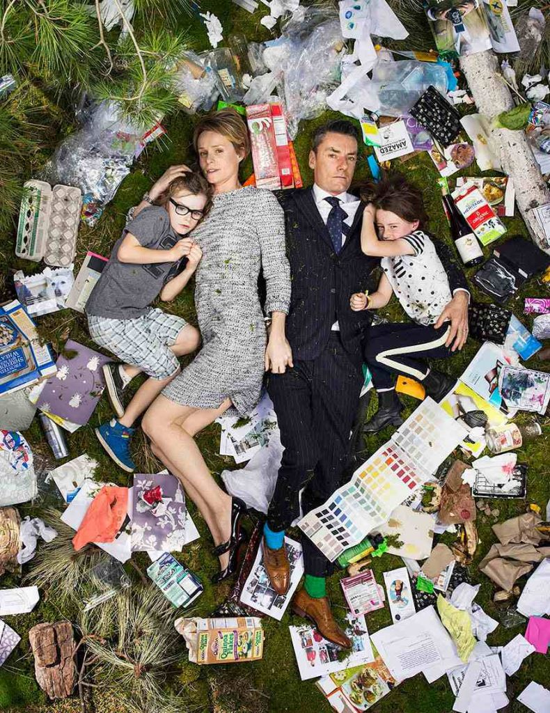 7-days-of-garbage-environmental-photography-gregg-segal-12