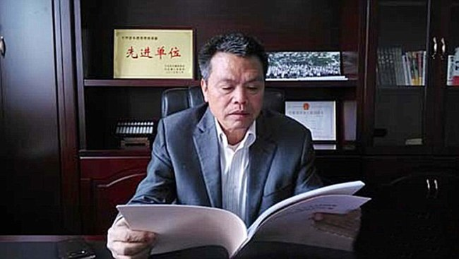 54 ročný Xiong Shuihua je podnikateľ, ktorý sa na vrchol dostal z veľmi skromných podmienok.