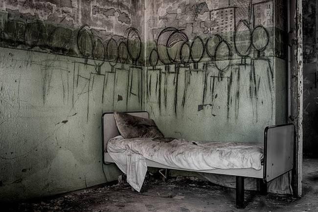 Hrôzostrašné kresby pacientov v opustenej liečebni v Taliansku.