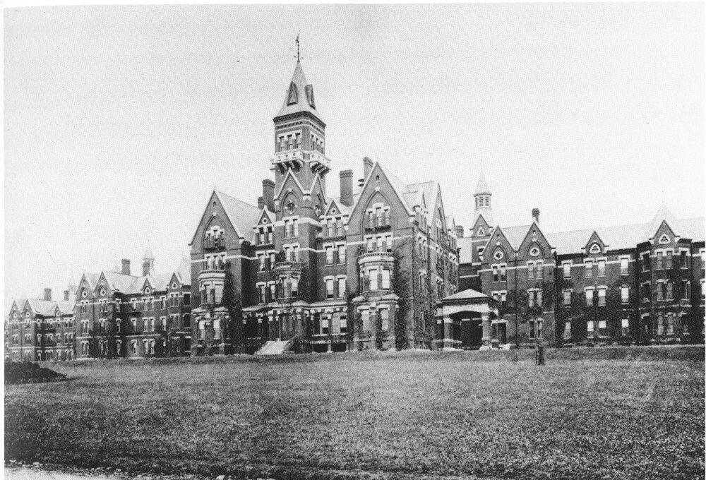 Stála v Hawthorne v štáte Massachusetts a boa postavená už v roku 1874.