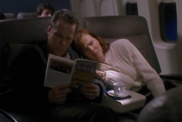 Všetky scény boli natáčané v Chicagu. Parížske letisko? Bolo to vlastne medzinárodné letisko O´Hare. A tie luxusné sedadlá v prvej triede pri lete do Paríža? Tie boli postavené na basketbalovom ihrisku miestneho gymnázia.