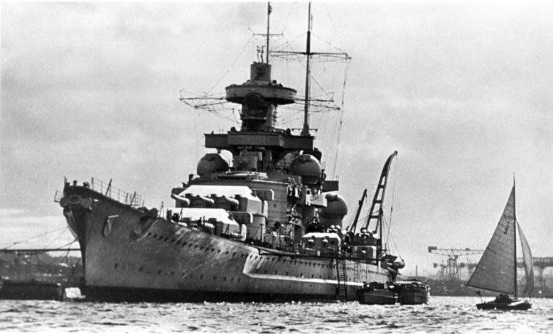 """O lodiach, ktoré okolo seba nesú prívlastok """"prekliate"""" vieme už od čias Vikingov. Krížnik Scharnhorst bol spustený na vodu roku 1936. Táto loď sa stala prekliatou však už pred tým, ako bola dostavaná. Počas výstavby sa z neznámych príčin prevrátila a zabila 60 robotníkov."""