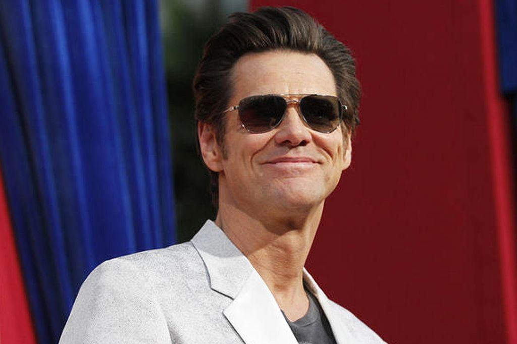 Aby sa objavil Jim Carrey v tomto filme, bolo mu ponúknutých 700-tisíc dolárov. Ponuka však prišla v rovnakom týždni, ako ponuka filmu Ace Ventura: Zvierací detektív. Po dohodách sa však s agentom Jima dohodli na tejto sume, ktorá bola takmer polovica celého rozpočtu filmu.