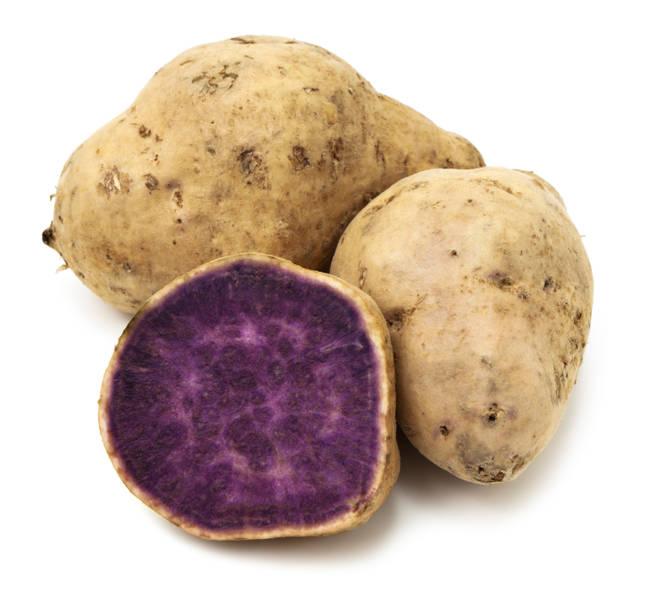 Fialový, sladký zemiak.