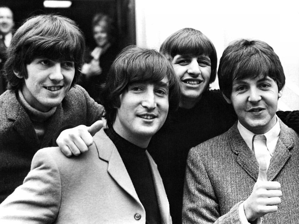 Začiatkom 60. rokov chcela kapela The Beatles natočiť film podľa Tolkienovej knihy Pán prsteňov, avšak sám Tolkien im tento projekt stopol.