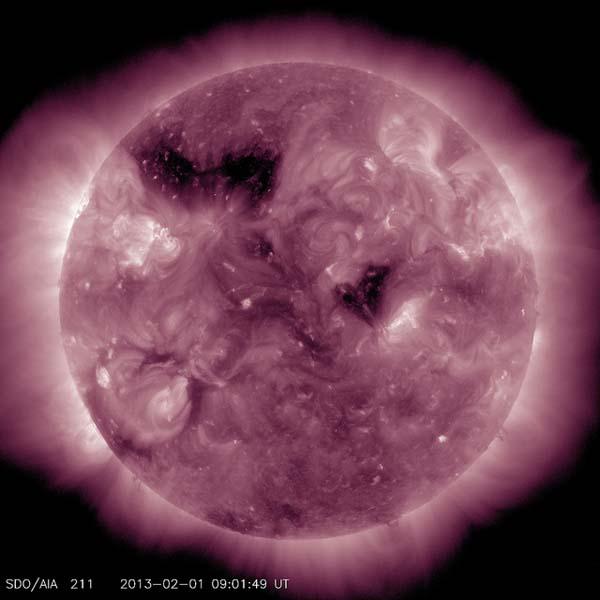 Kým sa dostane jeden fotón z jadra Slnka na povrch prejde zhruba 170 tisíc rokov.