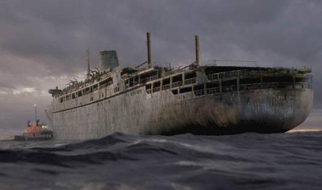 """V júni roku 1947 začala táto loď v úžine Malacca vysielať núdzové signály niekoľkým lodiam v tejto oblasti. Lodiam prišla správa v znení: """"Všetci dôstojníci vrátane kapitána sú mŕtvi. Možno je mŕtva celá posádka."""" Potom nastala pauza a človek na druhej strane dodal: """"Zomriem."""""""