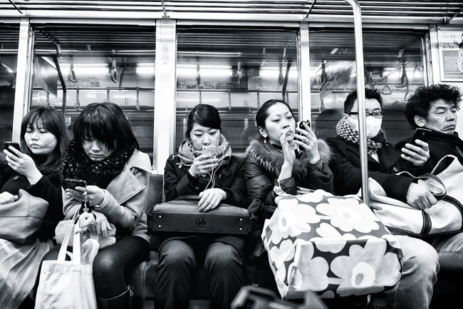 Mobilné telefóny sú 10 krát špinavšie ako toaleta.