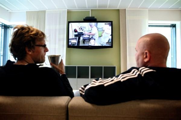 Pozeranie televízie nie je nič nezvyčajné.