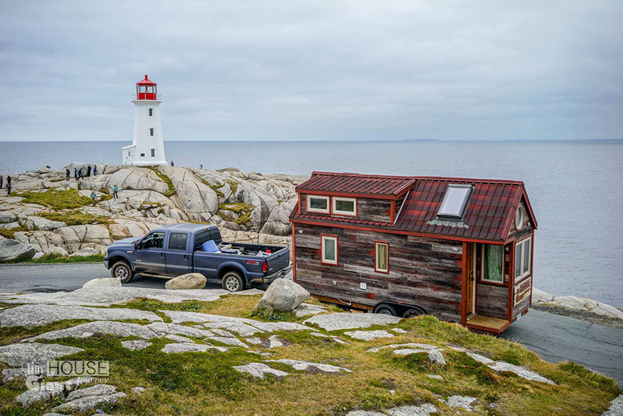 tiny-house-giant-journey-mobile-home-jenna-guillame-6