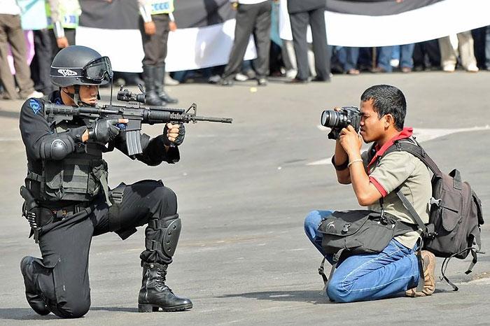 dedicated-photographers-18__700