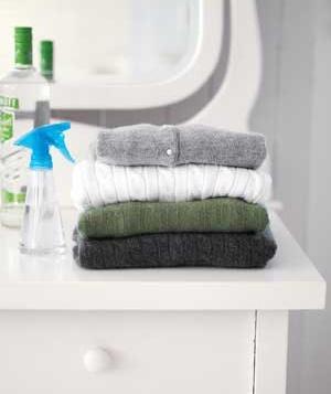 Zbavte vaše oblečenie pachu pomocou vodky.
