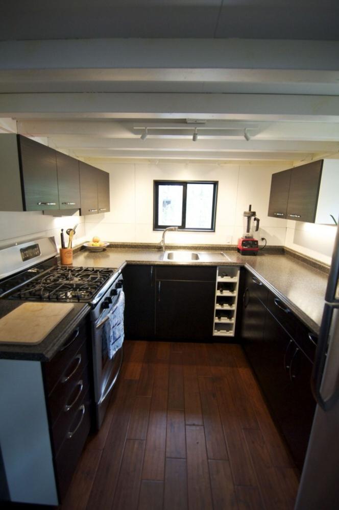 K dispozícii majú aj priestrannú kuchyňu zo všetkým, čo potrebujú.