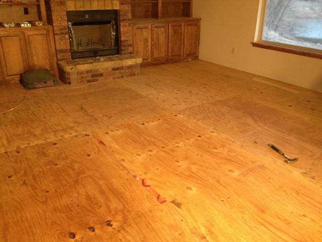 Ďalej nasledovala inštalácia podlahy...