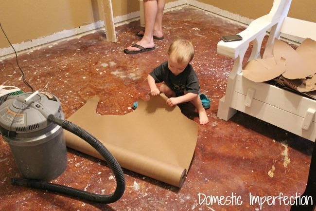 papier-podlaha