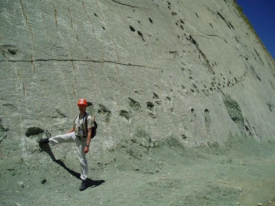 stena-dinosaurie-stopy-bolivia2