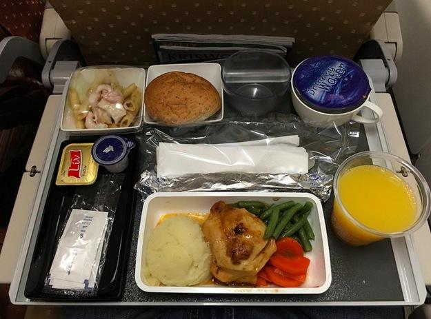jedlo v lietadle1